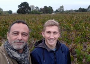 Franck et son fils dans la vigne